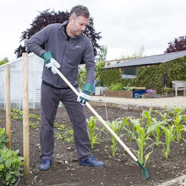 Using the Wilkinson Sword Carbon Steel Garden Rake #1111206WR