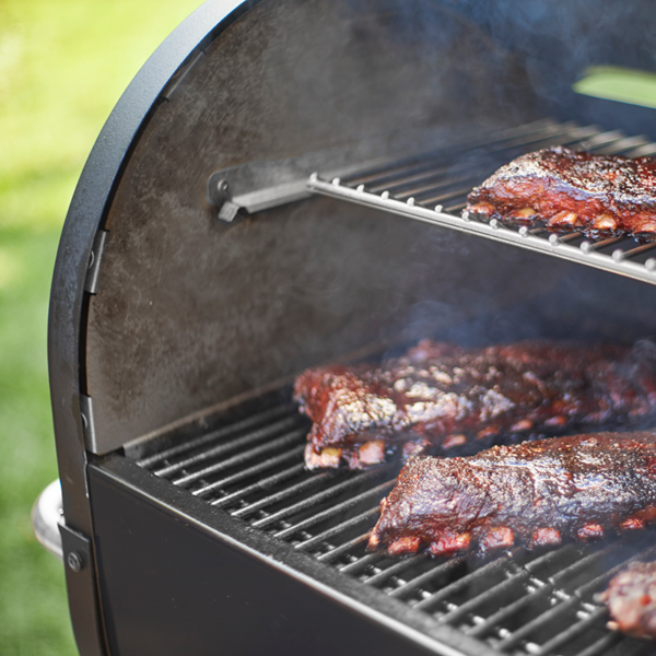 Smoking ribs on the Weber SmokeFire EX4 GBS Wood Fired Pellet Grill