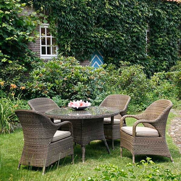 4 Seasons Outdoor Sussex 4 Seater Round Garden Dining Set with Parasol & Base