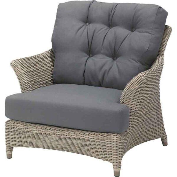 4 Seasons Outdoor Valentine Chair in Pure plus 2 Seat Cushions