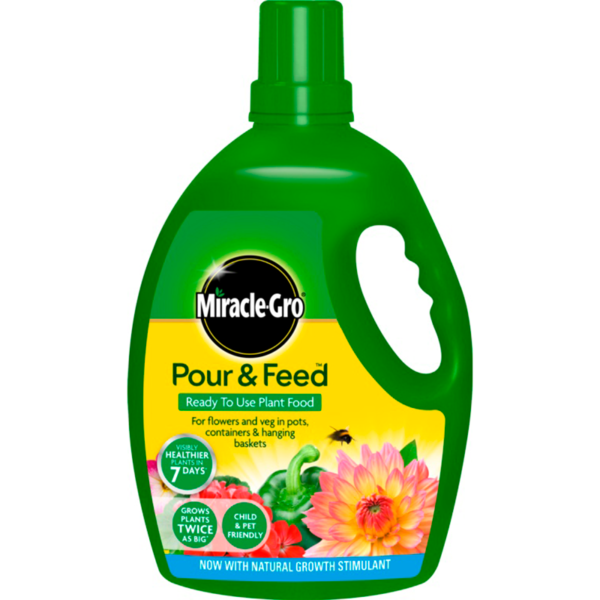 Miracle-Gro Pour & Feed Ready to Use Plant Food (3 litres)