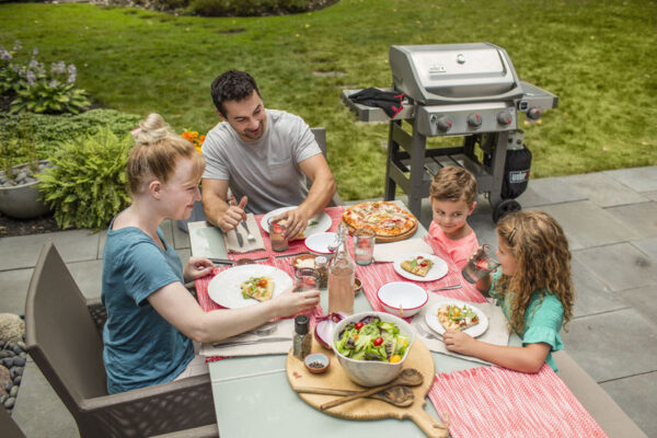 Using the Weber Spirit II S-320 GBS Gas Barbecue (Stainless Steel)
