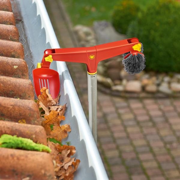 Using Wolf Garten multi-change Gutter Cleaner (30cm)