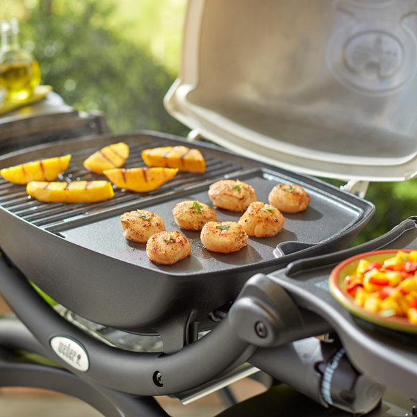 Use the Weber Barbecue Cast Iron Griddle for Q100 / 1000 Series to cook evenly every time
