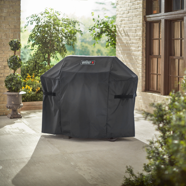 The Weber Premium Barbecue Cover for Spirit 300 series, Spirit II 300 series, Spirit EO-210 & Spirit 200 series (Black)
