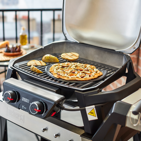Use the Weber Barbecue Premium Grilling Stone (26cm) on your barbecue to make pizza