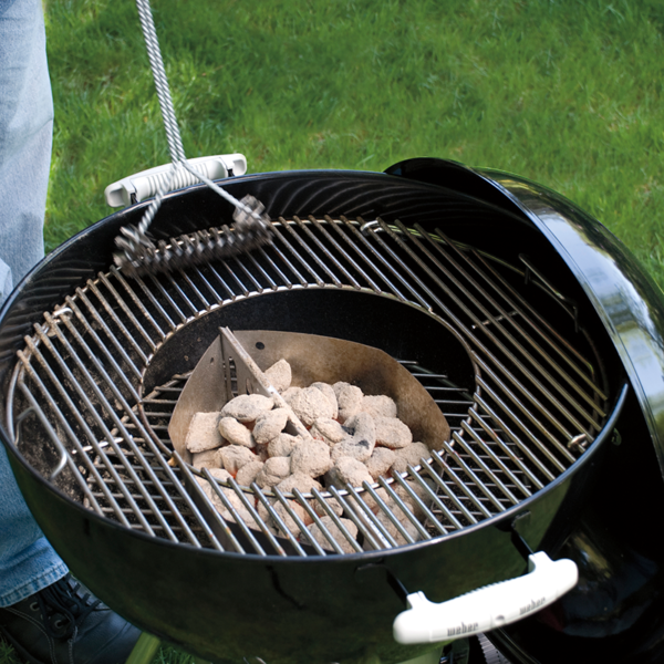 The Weber Barbecue Gourmet BBQ System (GBS) 57cm Hinged Cooking Grate is easy to clean