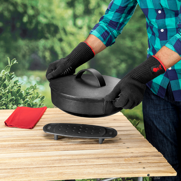 Use Weber Barbecue Premium BBQ Gloves L/XL (Black) #6670 to move cookware from or to your barbecue