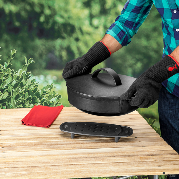 Use the Weber Barbecue Gourmet Barbecue System (GBS) Trivet to rest a hot pan like the Weber Dutch Oven