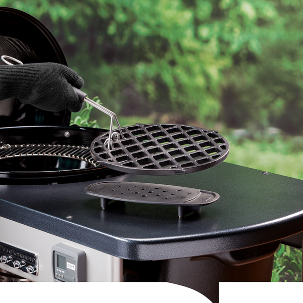 Use the Weber Barbecue Gourmet Barbecue System (GBS) Trivet to rest a hot Weber GBS Sear Grate