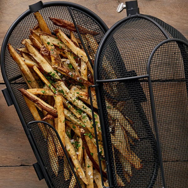 Cook chips in the basket to perfection to accompany a chargrilled steak on your Weber barbecue