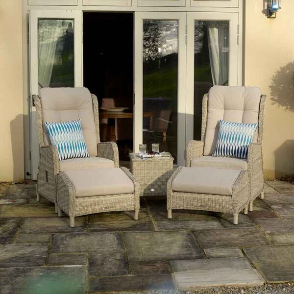 Bramblecrest Chedworth Deluxe 2 Seater Recliner Set in Sandstone (Scatters not included)