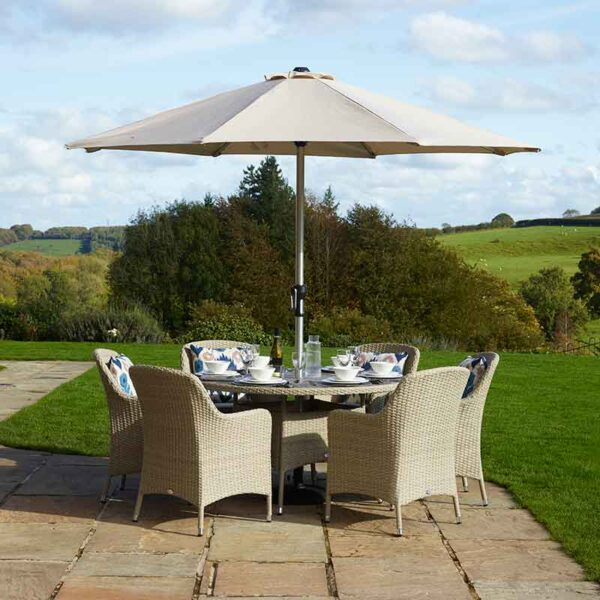 Bramblecrest Tetbury 6 Seater Dining Set in Nutmeg with Parasol & Base