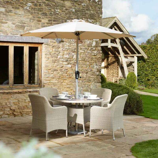 Bramblecrest Tetbury 4 Seater Dining Set in Nutmeg with Parasol & Base