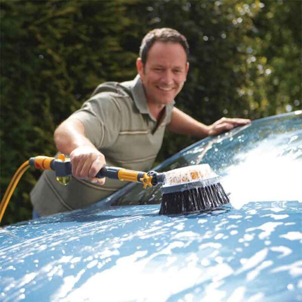 Car cleaning with the Hozelock Long Car Brush Pro