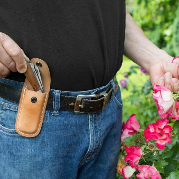 Darlac Expert Leather Knife Pouch Lifestyle