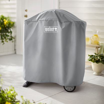 The Weber Barbecue Cover for Q 1000/2000 with stand (Grey) can be left outside all year round