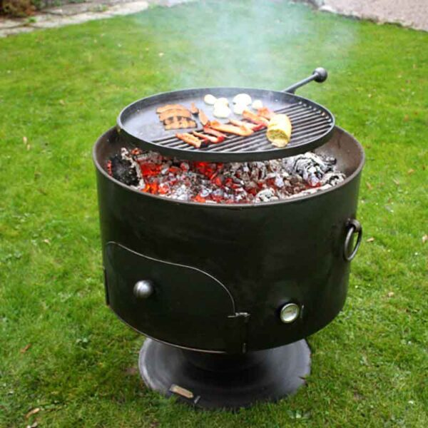 Firepits UK Pete's Oven 70 with Swing Arm BBQ Rack & Lid