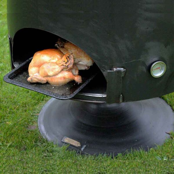 Firepits UK Pete's Oven 70 with chickens