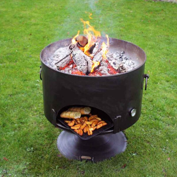 Firepits UK Pete's Oven 70 with food