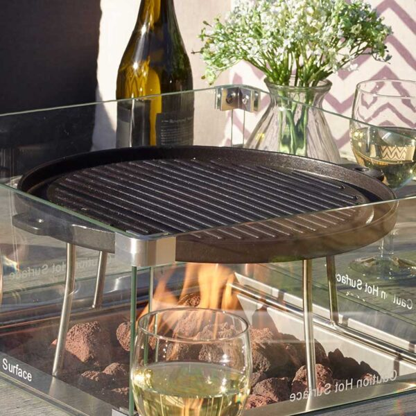 Bramblecrest Griddle for Square Casual Dining Table with Firepit Close Up