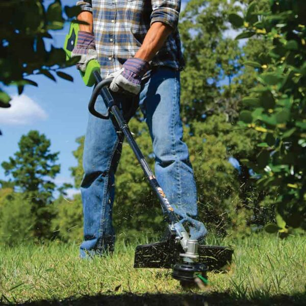 Greenworks 35cm 40V Digipro Cordless Linetrimmer With 2Ah Battery & Charger lifestyle