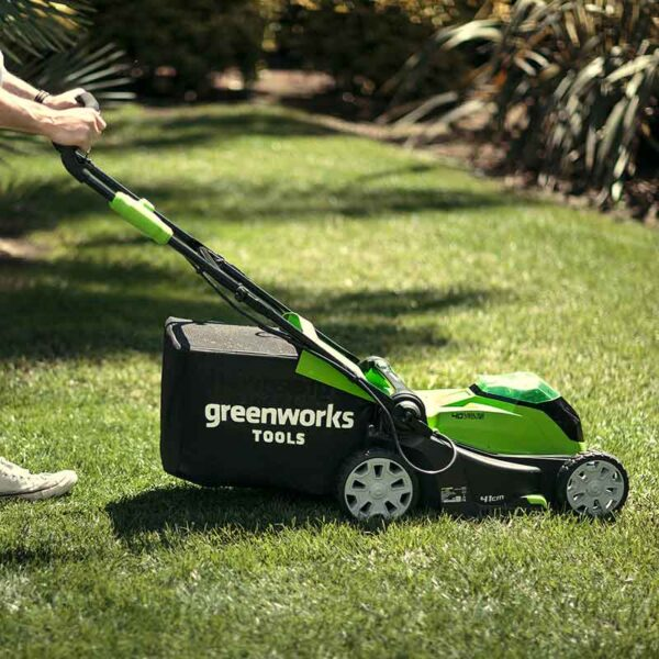 Greenworks 40V 41cm Lawnmower With 2 x 2Ah Batteries & Charger lifestyle