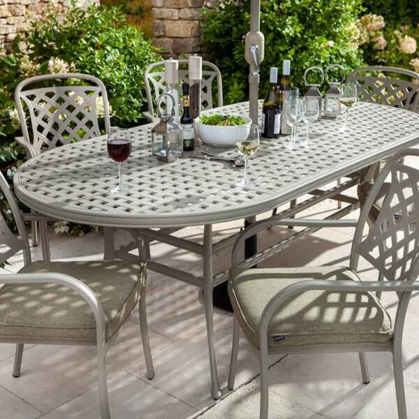 Hartman Berkeley 6 Seat Oval Garden Dining Set with 3m Parasol & 15kg Base (Maize & Wheatgrass) close up