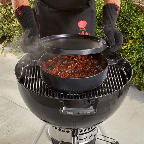 Make a tasty stew with the Weber GBS Dutch Oven Duo