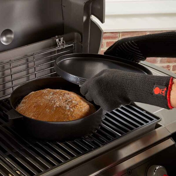 Make bread in the Weber GBS Dutch Oven Duo