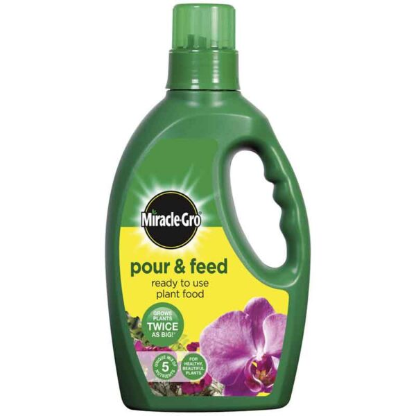 Miracle-Gro Pour & Feed Ready to Use Plant Food 1 litre