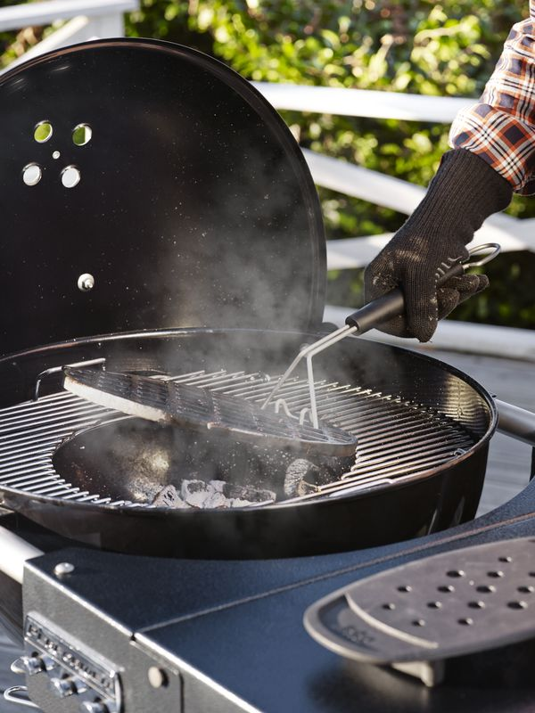 Using GBS on Weber Performer Deluxe GBS Charcoal 57cm Barbecue (15501004)