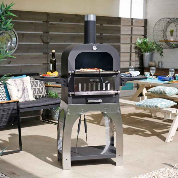 Salona Multi-Function Pizza Oven in garden