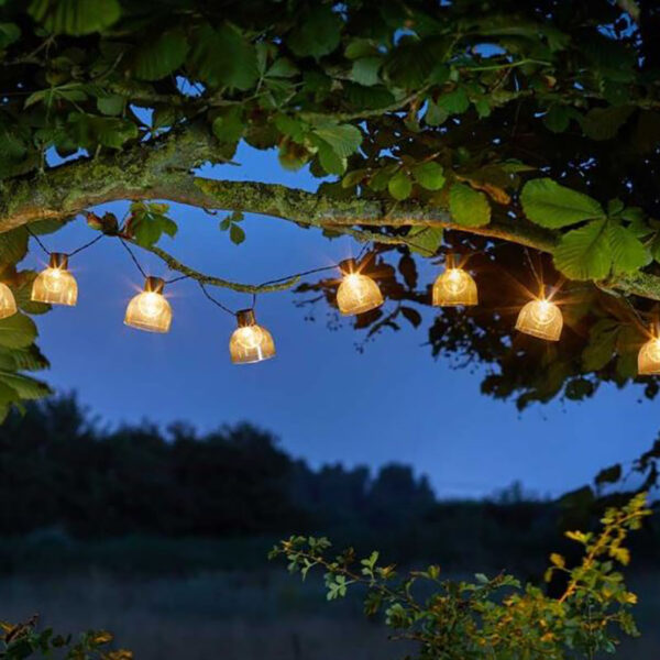 Smart Solar 10 LED Boule String Lights Lifestyle