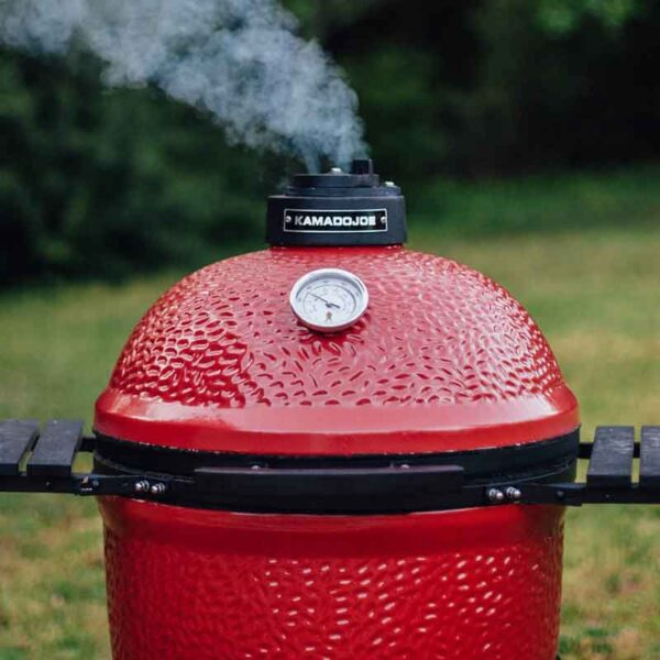 Stay in control with the tower top vent and thermometer