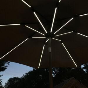 Sturdi 2.7m Round LED Solar Parasol at night