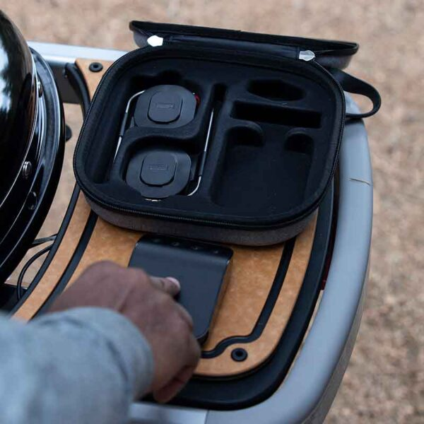 Using the Weber Connect Storage & Travel Case