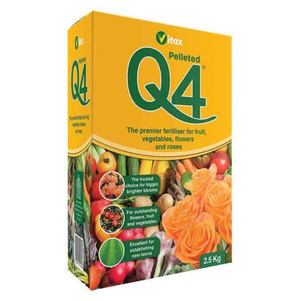 Vitax Q4 Pelleted Fertiliser (2.5 kg)