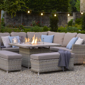 Bramblecrest Casual Dining Set with Firepit