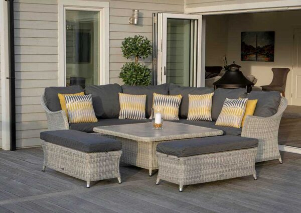 Bramblecrest Monterey Casual DIning Set with Cermaic Table