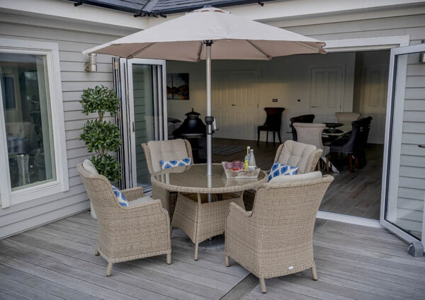 Bramblecrest Oakridge 4 Seater Outdoor Dining Set with 120cm Table