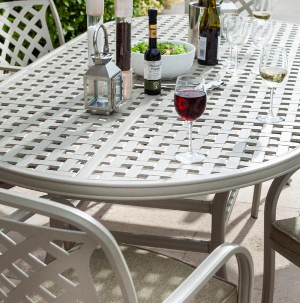 Detail of Hartman Berkeley 6 Seat Oval Garden Dining Set