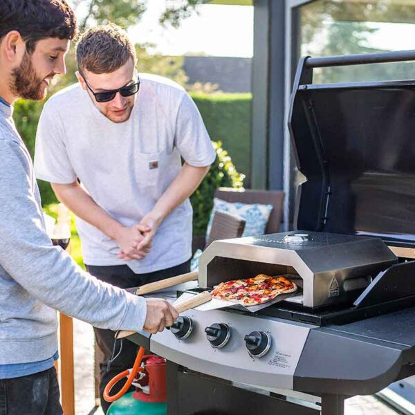 Enjoy pizza together with a BBQ Pizza Box Oven