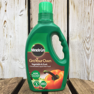 Miracle-Gro Gro Your Own Fruit & Vegetable Concentrated Liquid Plant (1 litre)