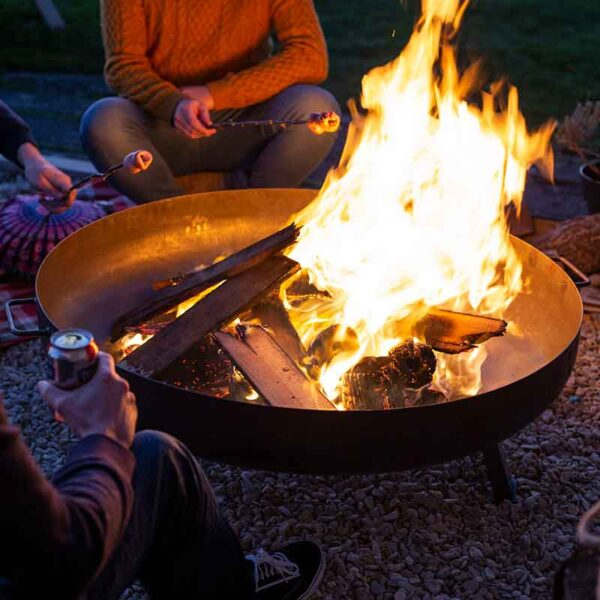 La Hacienda Pittsburgh Large Firepit in use