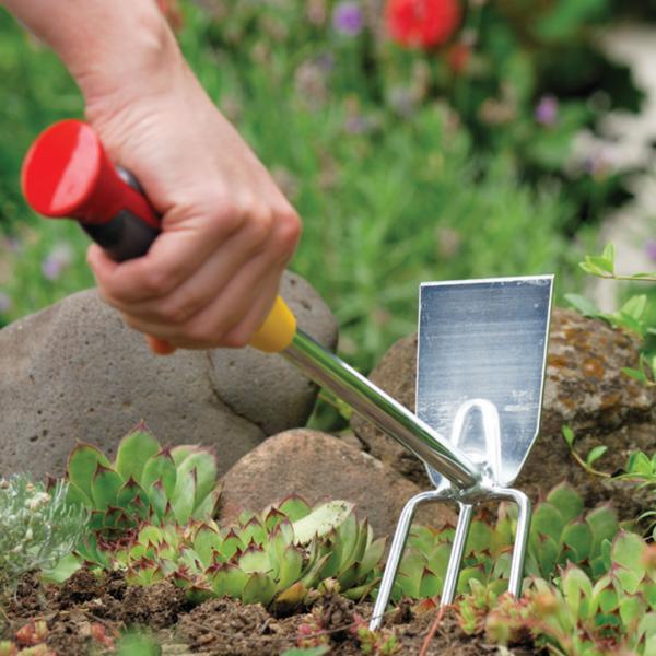 Using 7cm wide Wolf Garten Double Hoe with Fixed Handle