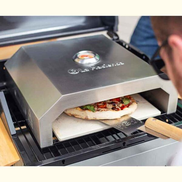 Making pizza in the BBQ Pizza Box Oven