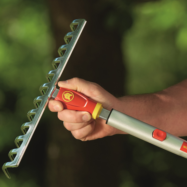 Attach Wolf Garten Multi-Change Soil Rake 30cm (DRM30) to a multi-change handle of your choice