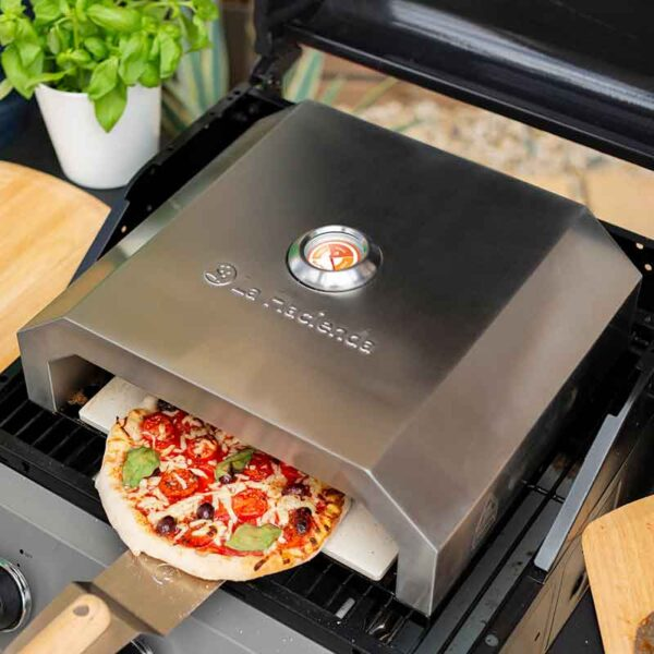Perfect pizza in the BBQ Pizza Box Oven