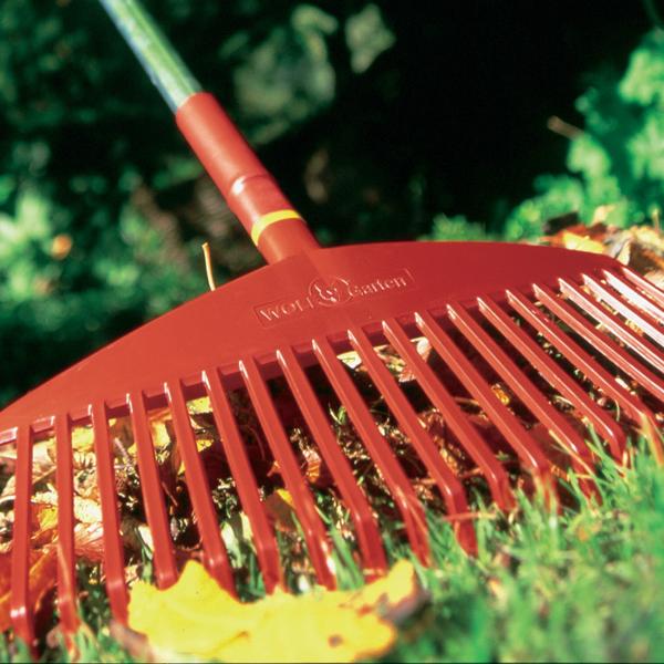 Using Wolf Garten multi-change Leaf Rake 42cm (UIMC)